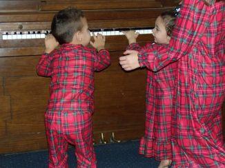 brodie piano xmas jammies
