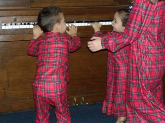 brodie piano xmas jammies