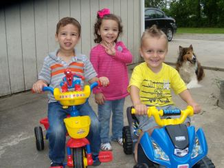 brodie brystol ethan on little bikes with noah