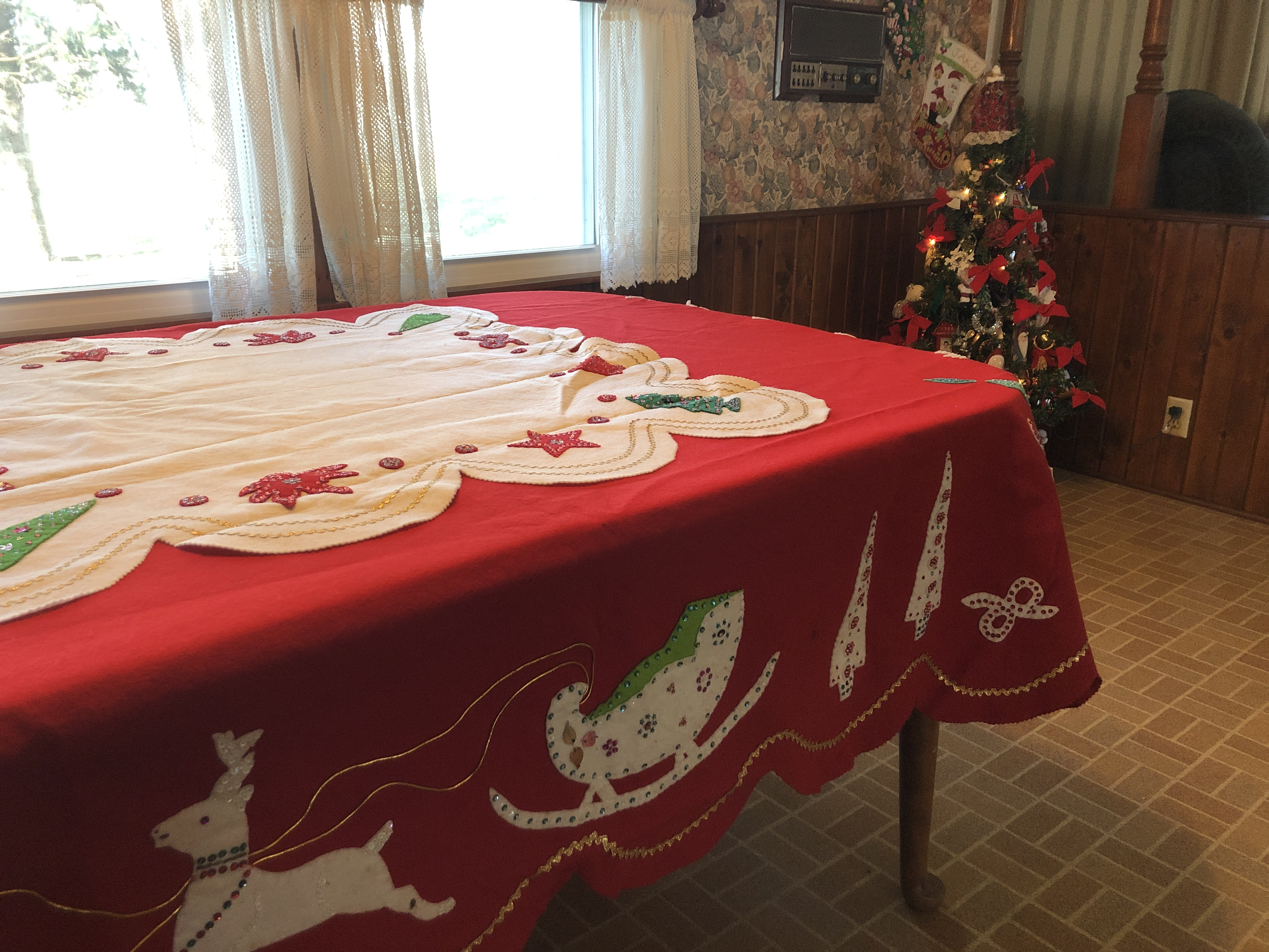 USE TABLECLOTH FINAL