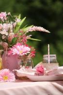 lemonade stand table decoration