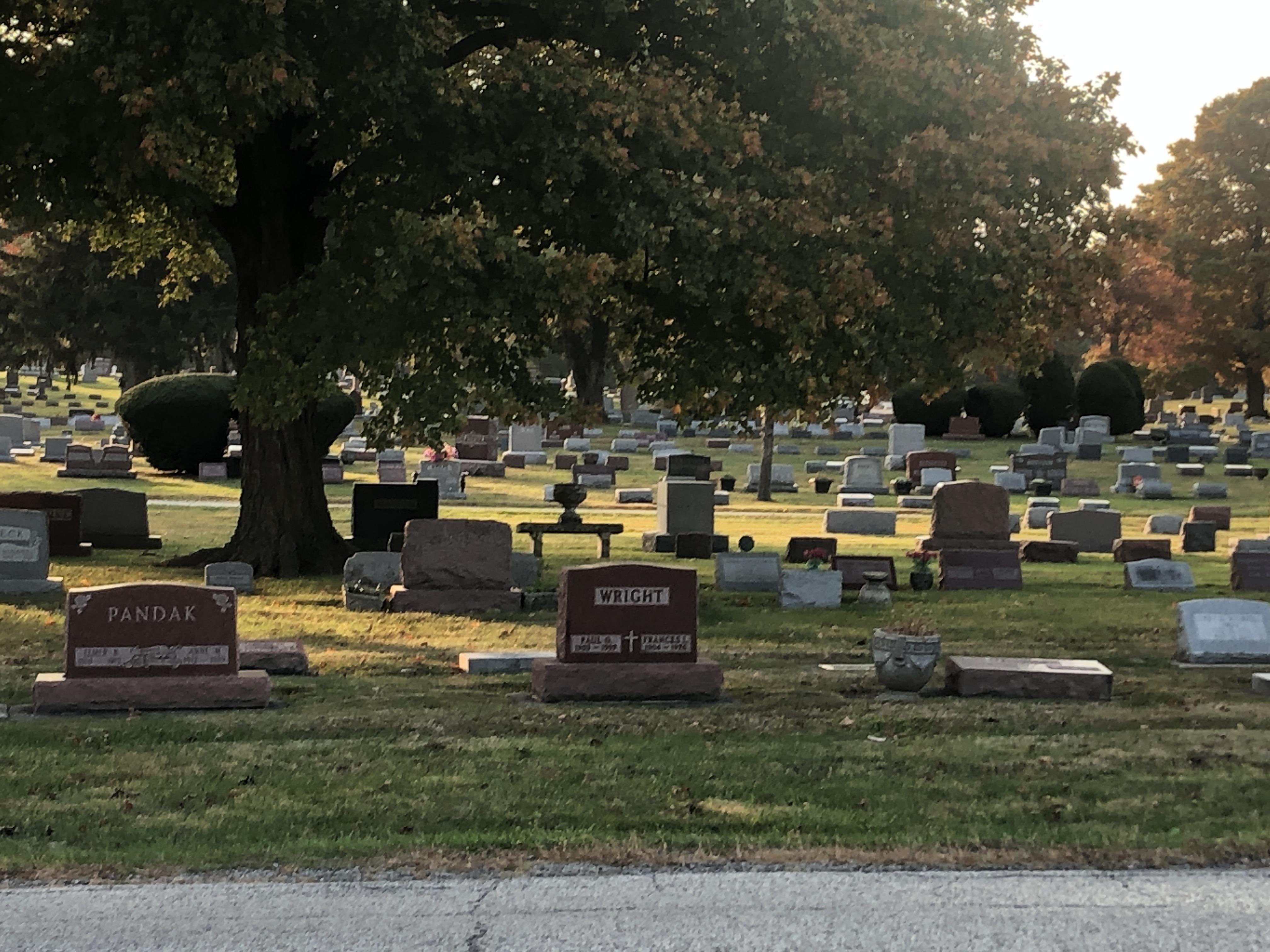 a graveside burial cemetery