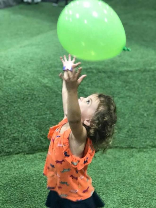 2018 england summer 85 reaching for balloon