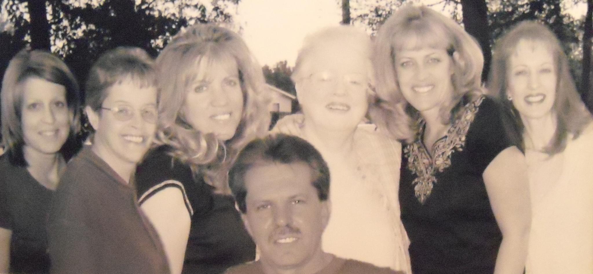 siblings family photo