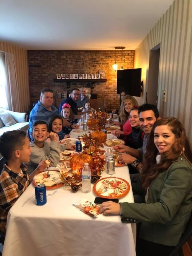 TABLE Family Thanksgiving