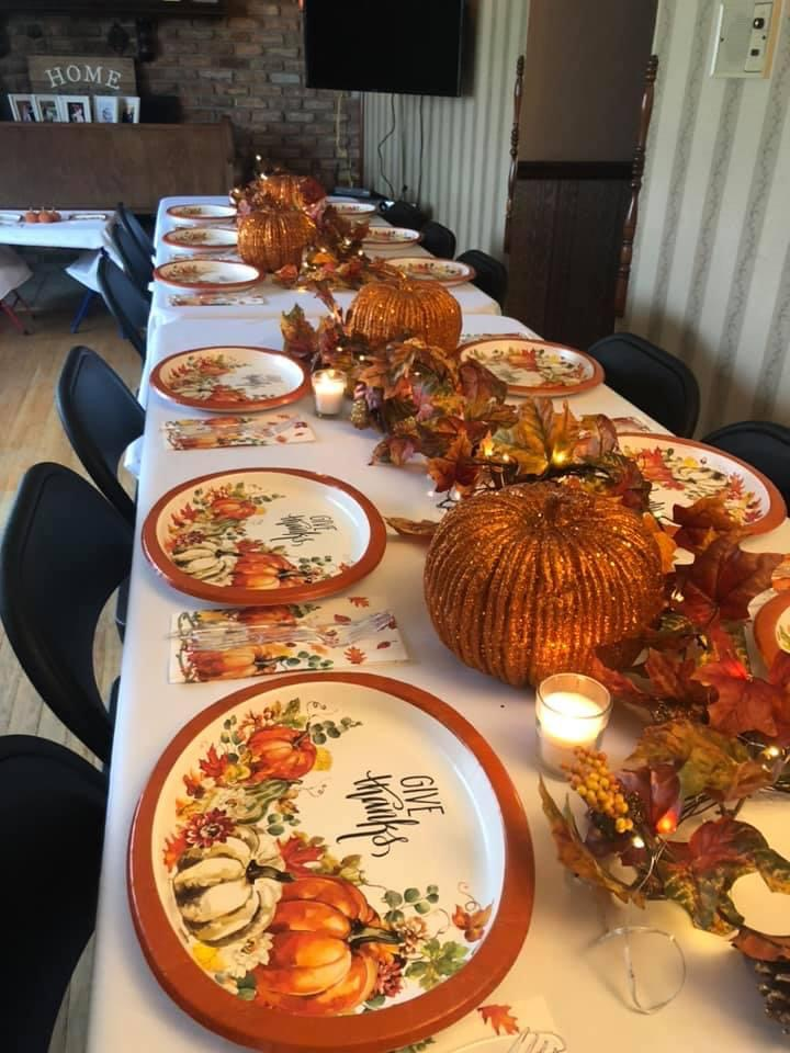 TABLE Holiday Thanksgiving
