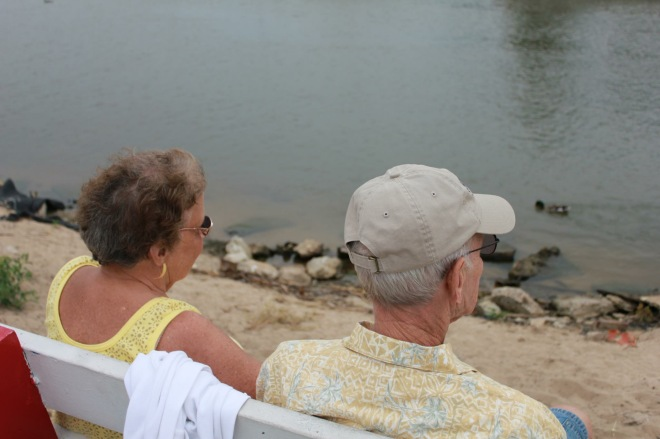 bill and gloria by river