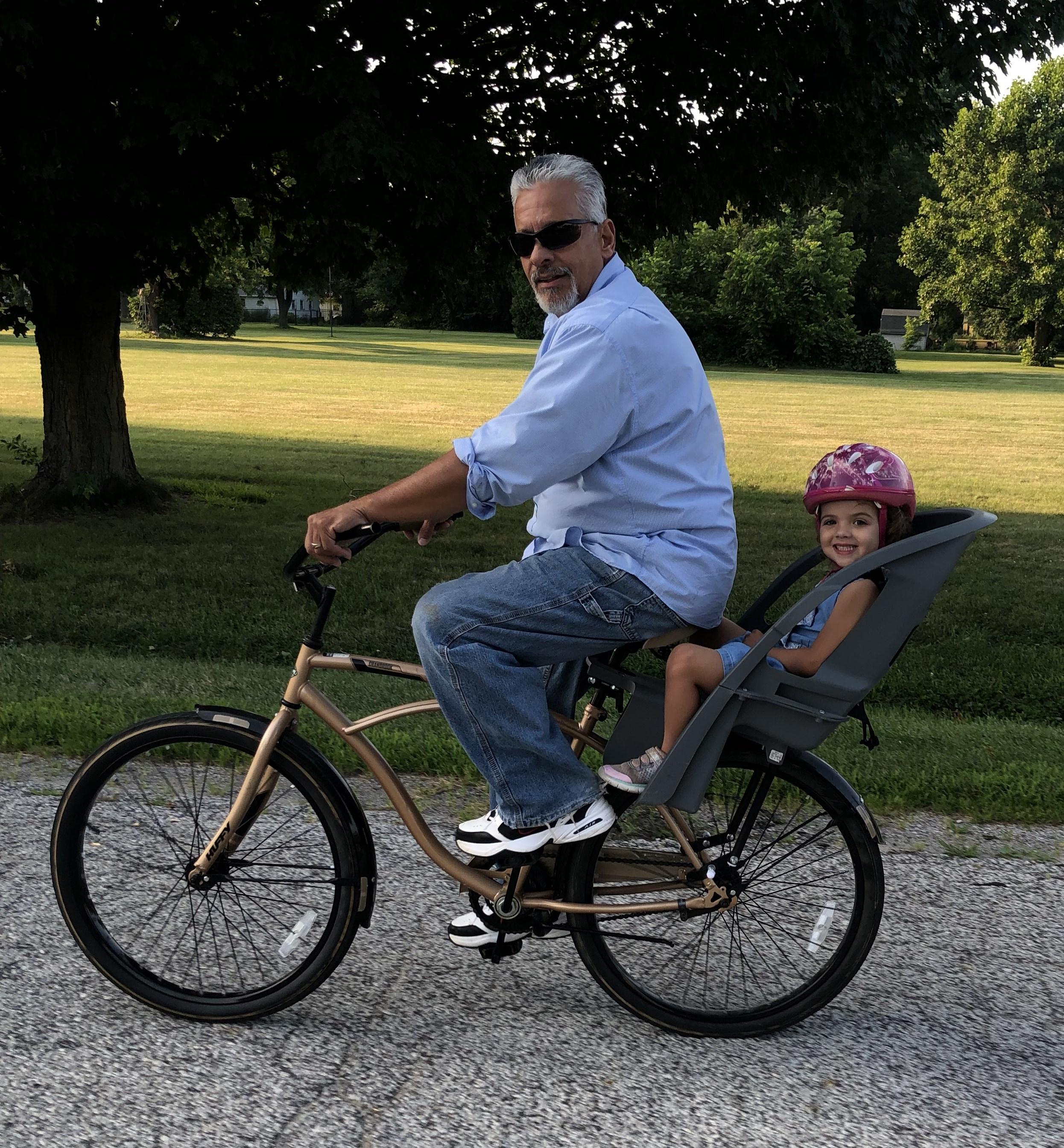 play riding bike 2