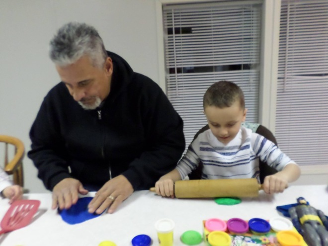 play with play dough